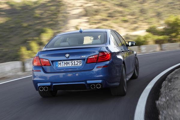 BMW M5 - роскошный седан