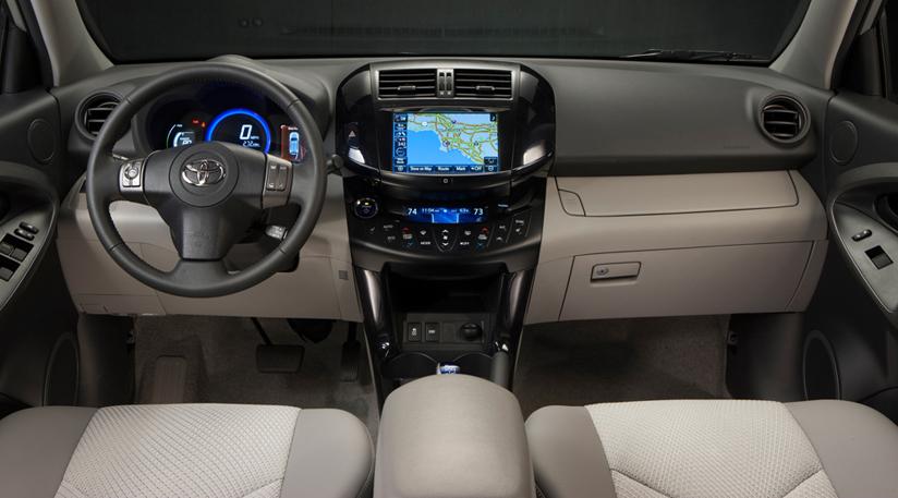 Салон Toyota RAV4 EV