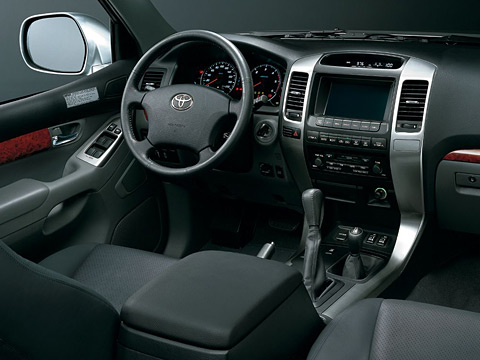 Toyota Land Cruiser Prado фото салона