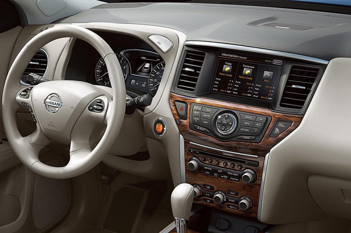 Салон Nissan Pathfinder 2012