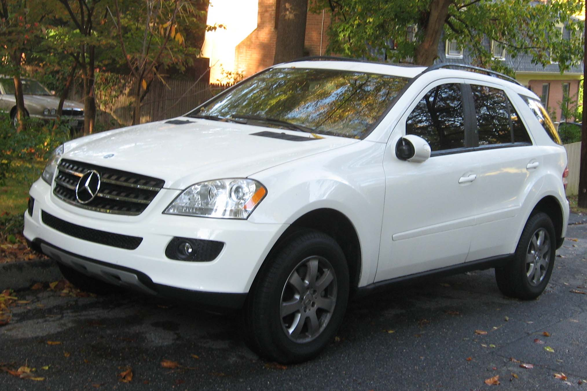 Mercedes-Benz ML350 фото