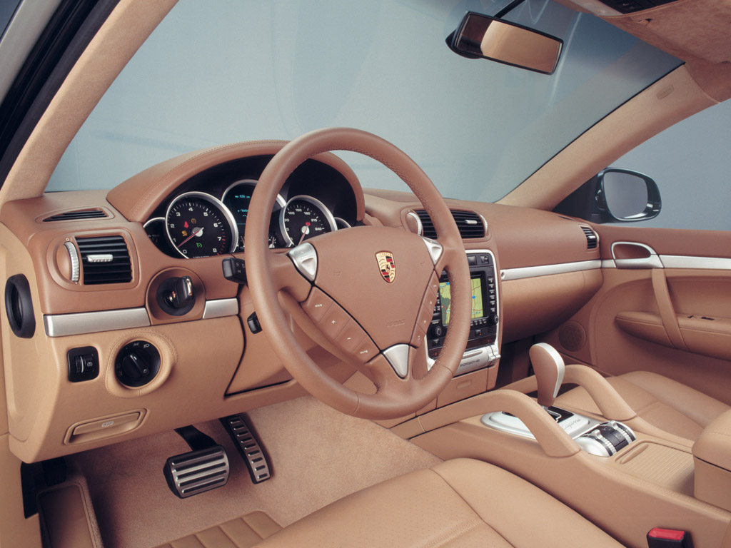 Интерьер Porsche Cayenne