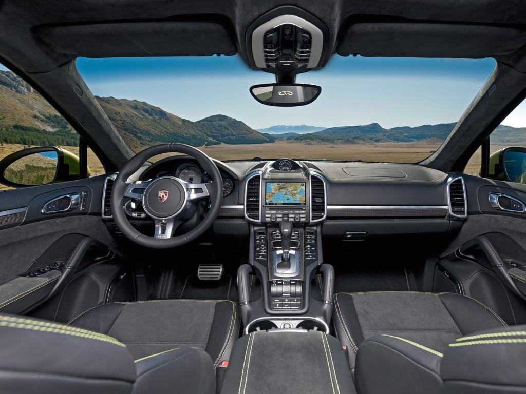 Салон Porsche Cayenne GTS