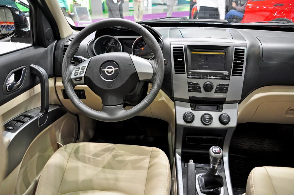 Салон Mazda Tribute