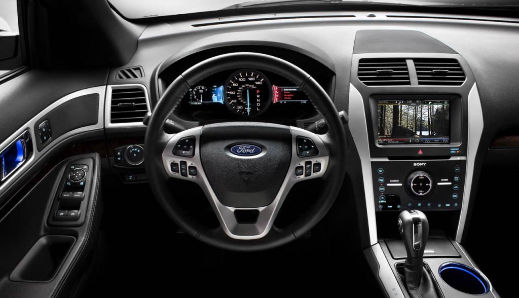 Салон 2011 Ford Explorer