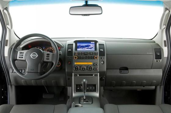 Приборная панель  Nissan Navara