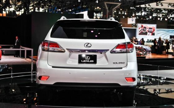 2013-Lexus-RX-350-rear-1024x640