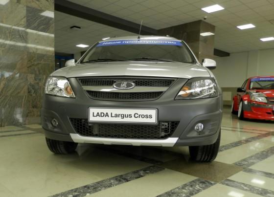 Lada Largus Cross - российский кроссовер от АвтоВАЗа
