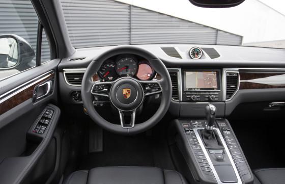 Салон и приборная панель Porsche Macan