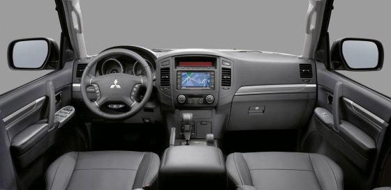 Салон Mitsubishi Pajero IV