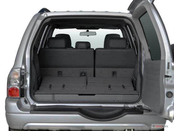 Вместительный багажник Suzuki Grand Vitara XL