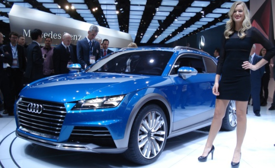 Audi Allroad Sport Brake и красивая девушка