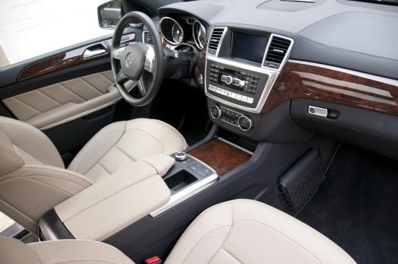 Салон Mercedes-Benz GL 350 BlueTec