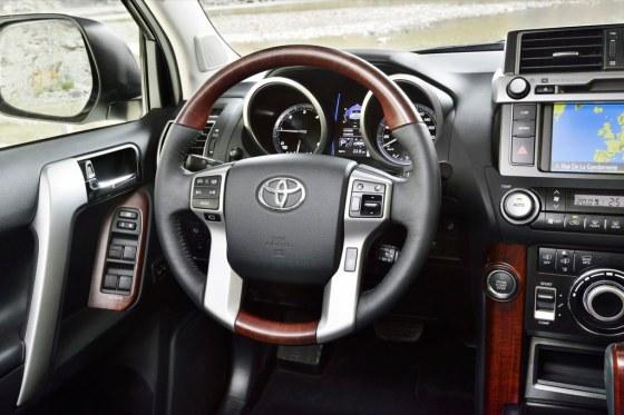 Приборная панель Toyota Land Cruiser Prado 2014