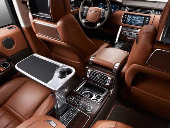 Салон нового Range Rover