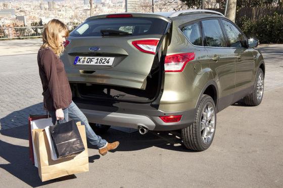 Ford Kuga открытие багажника