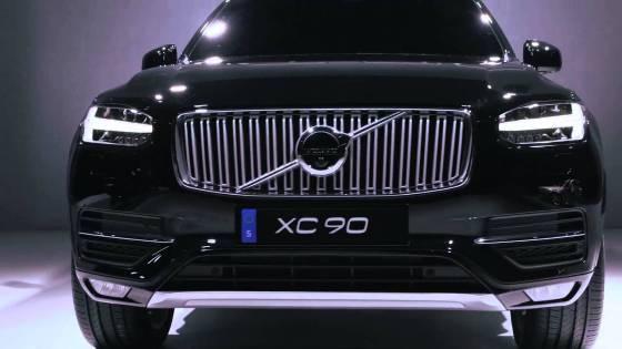 Volvo XC90 2015 - конфликт поколений