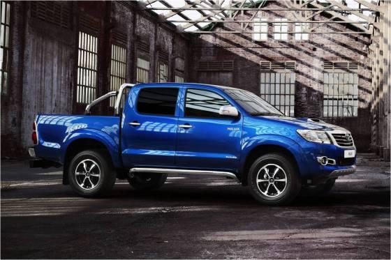 Комплектации Toyota Hilux 2014
