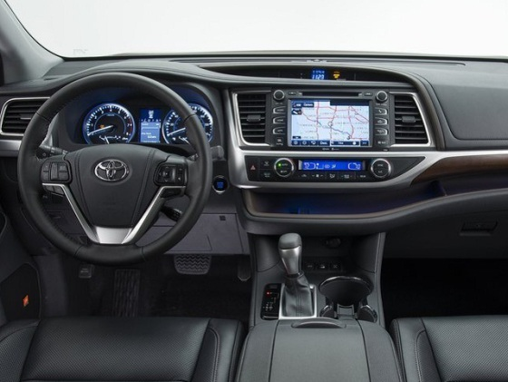 Салон  Toyota Hilux 2014