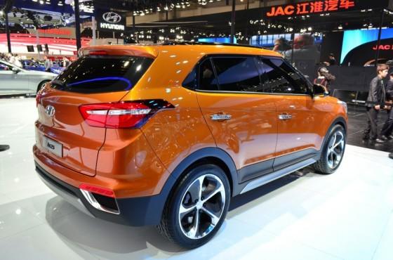 Hyundai ix25 вид сзади