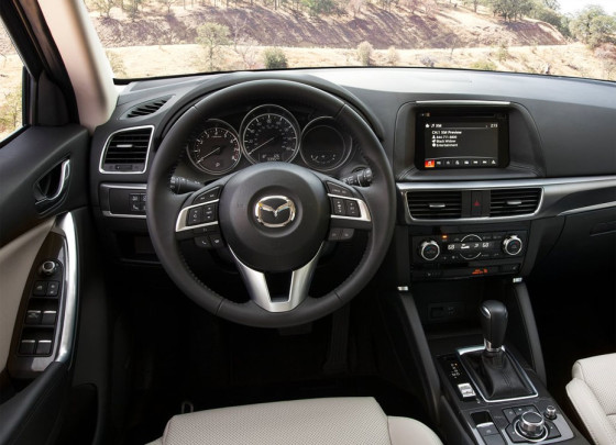 Mazda CX-5 2015 салон автомобиля